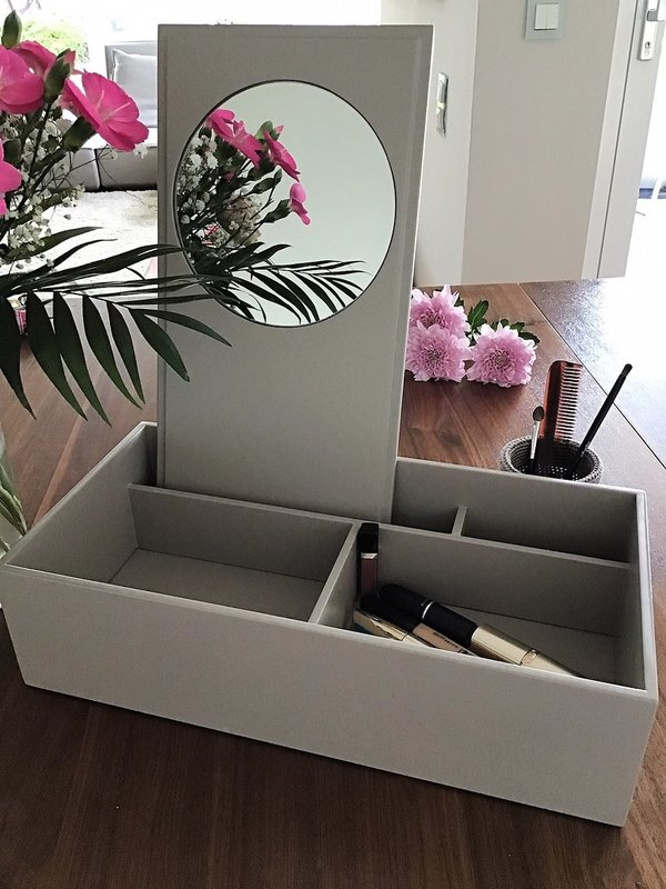 Jewellery Make Up Box, fawn, lackiert und handpoliert